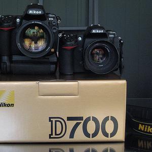 Nikon D700 цифровая зеркальная камера с Nikon AF-S VR 24-120m