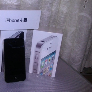 For Sale//Brand new Apple iPhone 4S 32GB//Unlocked Apple iPhone 4G 32G