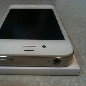КУПИТЬ ПОСЛЕДНИЕ Apple,  iPhone 4S 16gb, 32GB, 64GB
