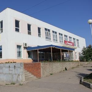 Продам действующую столовую,  продовольственный магазин,  базу